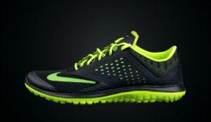 zdjęcie reklamowe sportowego buta